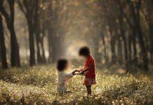 Silsilah Fiqih Pendidikan Anak No 86: Menumbuhkan Empati Pada Anak